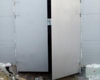 Vorota garazhny`e raspashny`e1